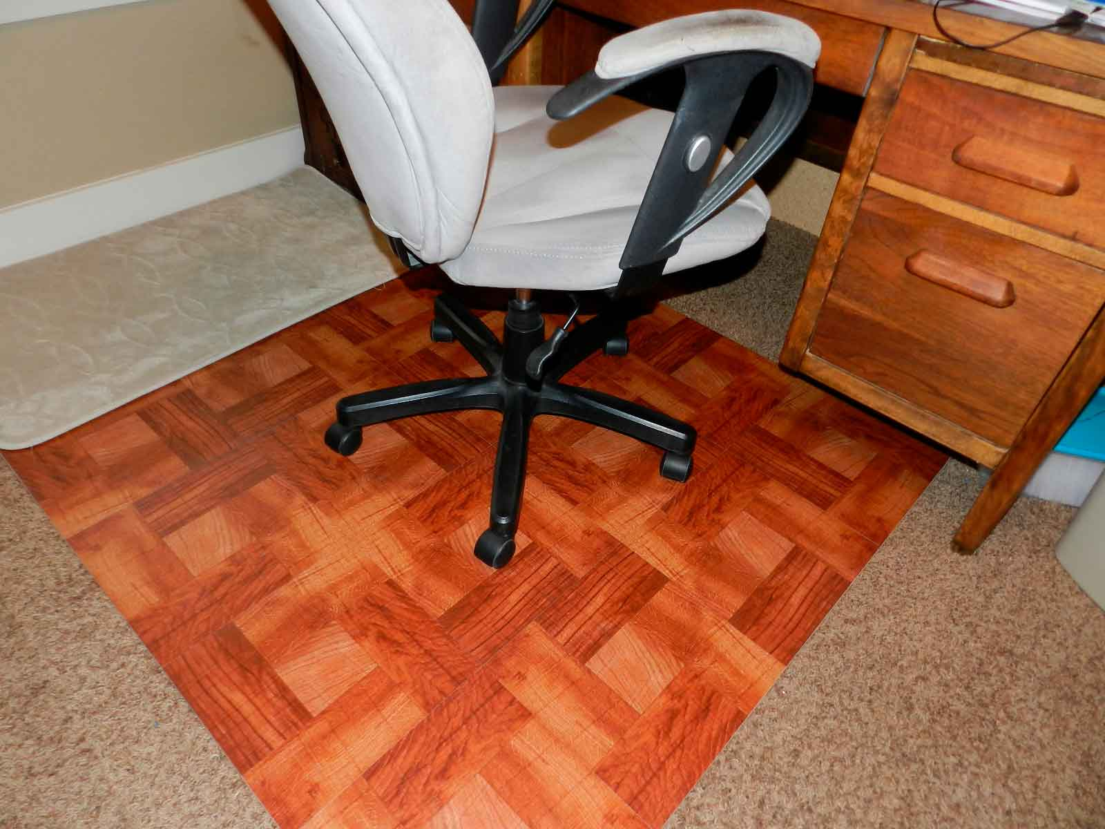 Best chair mat for carpet apr 2018 top rated products review with innovative materials used in office chair casters there will no longer be need for unattractive plastic mats or carpets in the office dailygadgetfo Choice Image